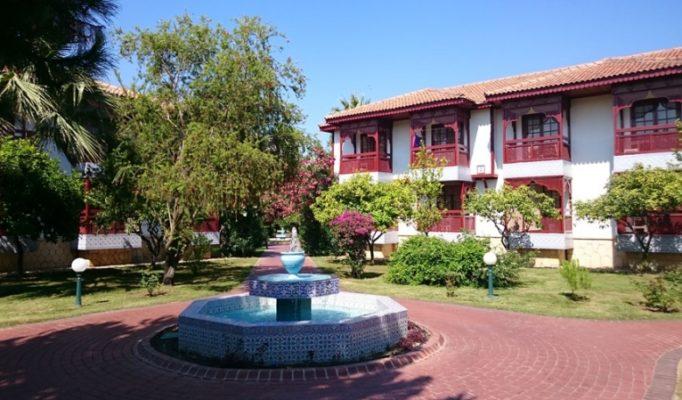ali-bey-hotels-resorts-vse-vkljucheno-dazhe-frukty-po-doroge-k-pljazhu-oteli-ali-bej-turcija-79c1204